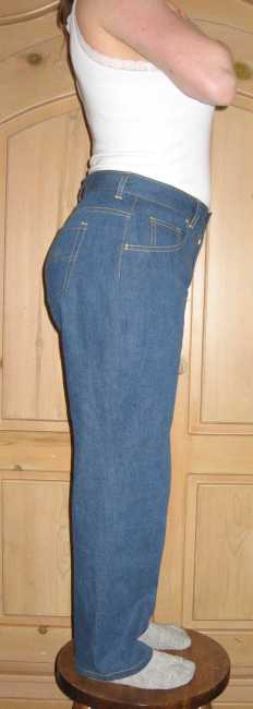 016D jeans side view