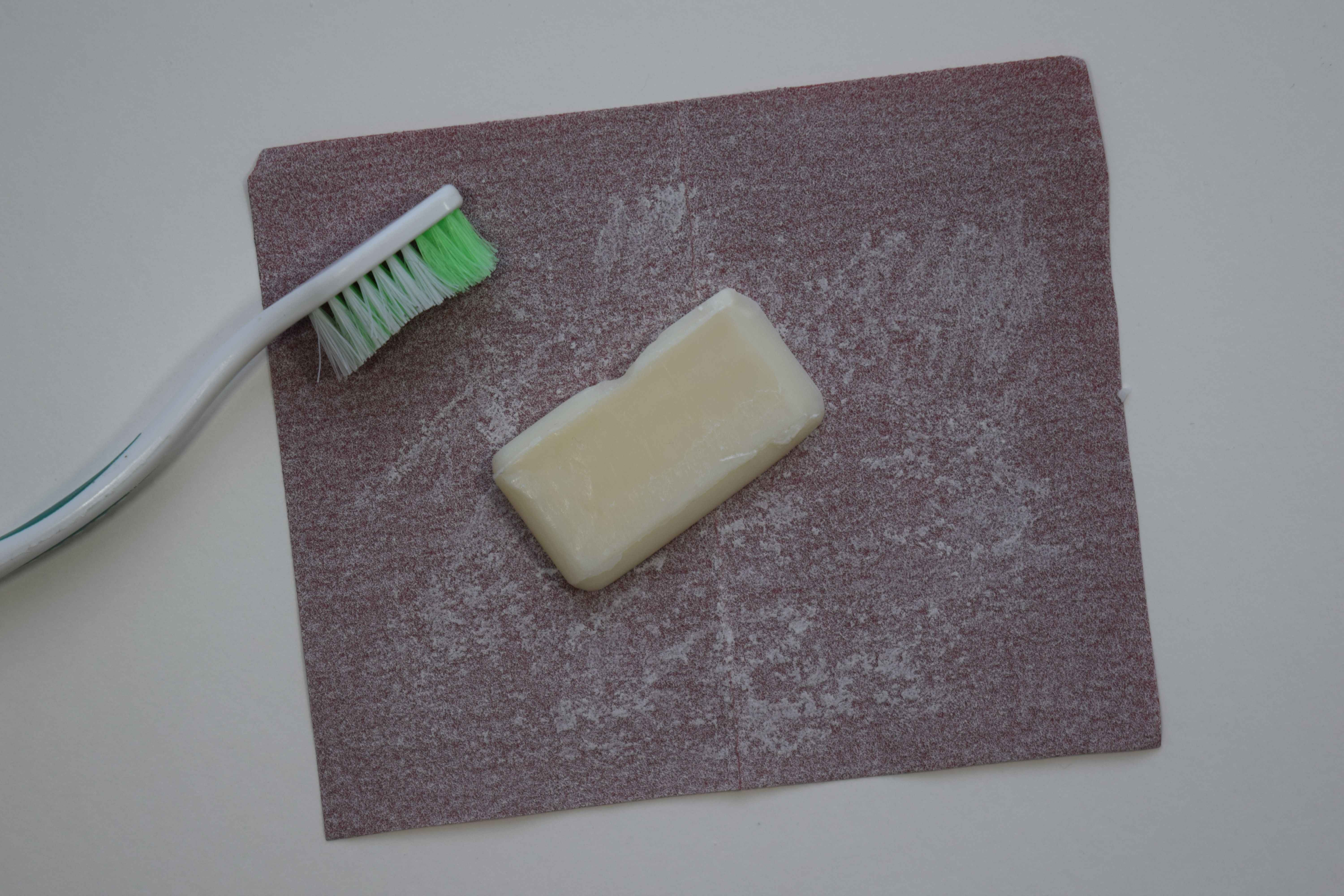 Sharpening soap with sandpaper